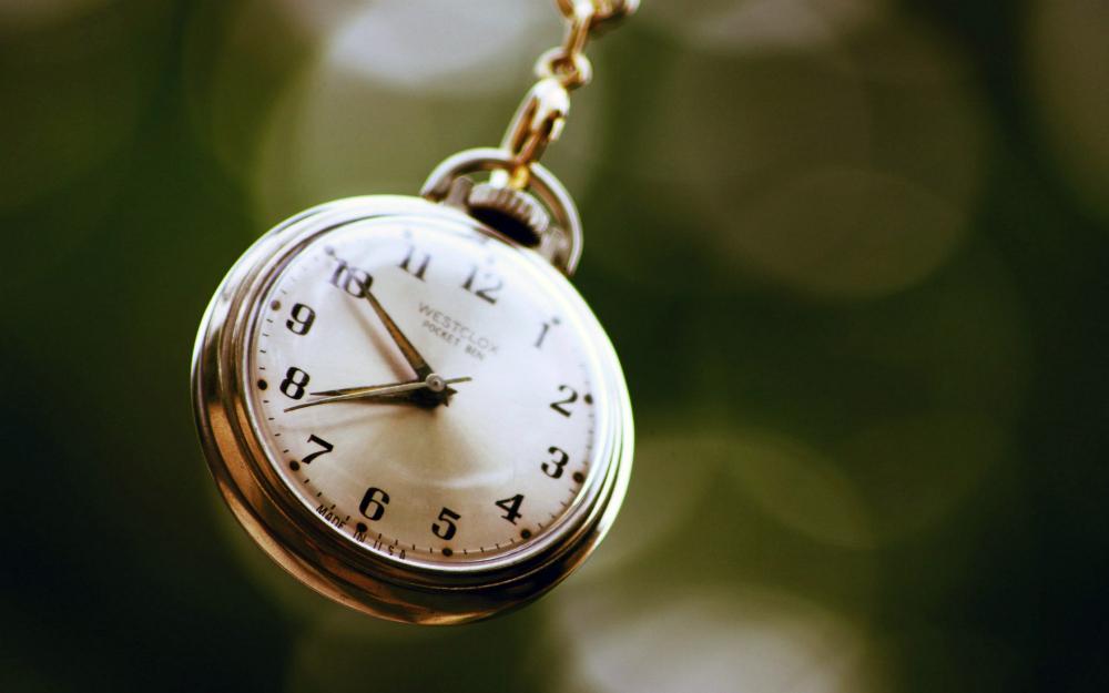 6858040-hd-clock